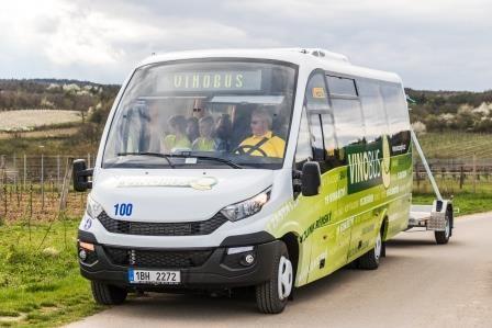 Vinobus hlásí 1 500 turistů